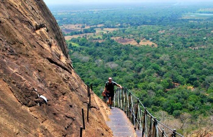 Places to visit in Sri Lanka - climbing up Sigiriya Rock