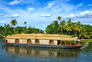 India itineraries - houseboat in Kerala