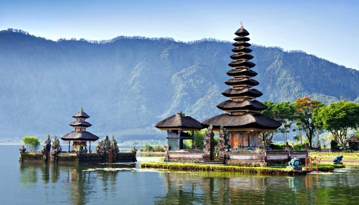 Places to visit in Bali - Pura Ulun Danu Bratan Temple
