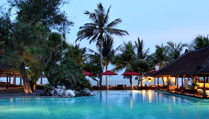Where to stay in Bali - Griya Santrian beach pool