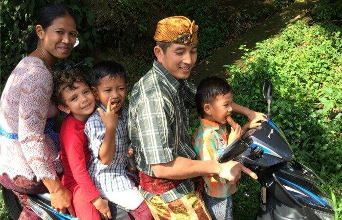 Bali customer reviews - Ubud family on motorbike