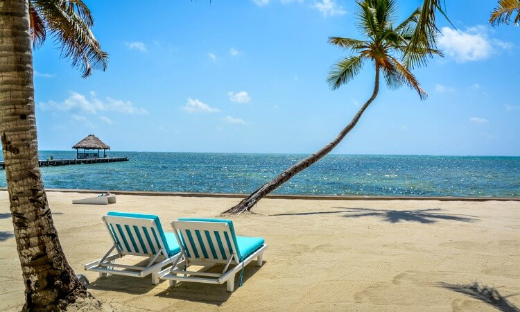 Guatemala family holidays - twin with a gorgeous Belize beach
