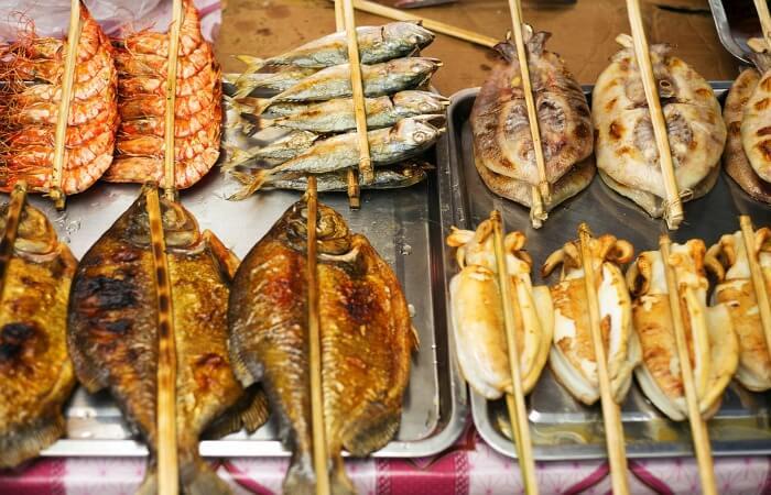 Family holidays in February - Kep market