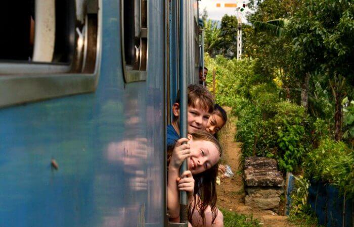 Sri Lanka with kids - train to Kandy