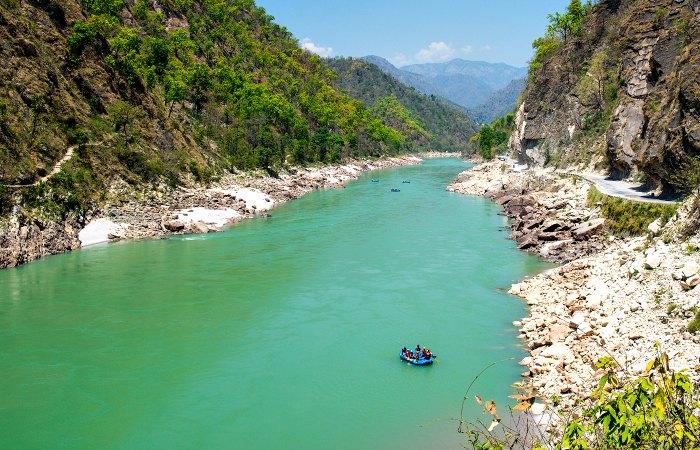 India with kids holiday activity - rafting Rishikesh