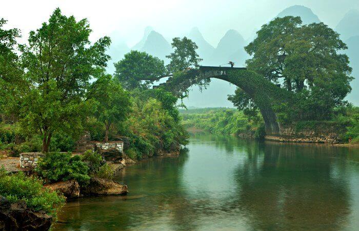 Historic bridge in Fuli - China with the children itinerary