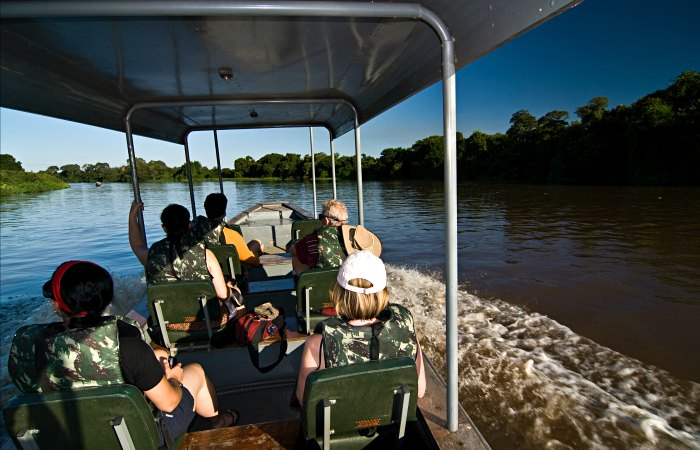 Exploring the Pantanal by boat - Brazil itineraries