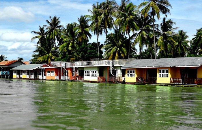 River bungalows - Laos family holidays