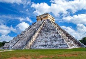 Chichen Itza pyramid - Mexico itineraries