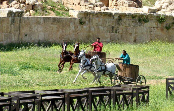Chariot racing at Jerash - Jordan with kids