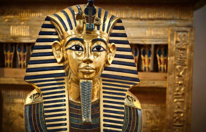 Tutankhamun death mask - Egypt with kids holiday