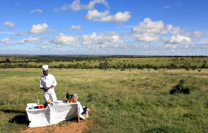 Kenya bush breakfast - Luxury family holidays