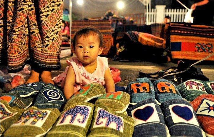 Night market in Laos - Laos itineraries