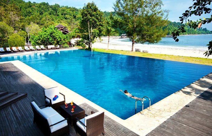 Pool and beach at Bunga Raya