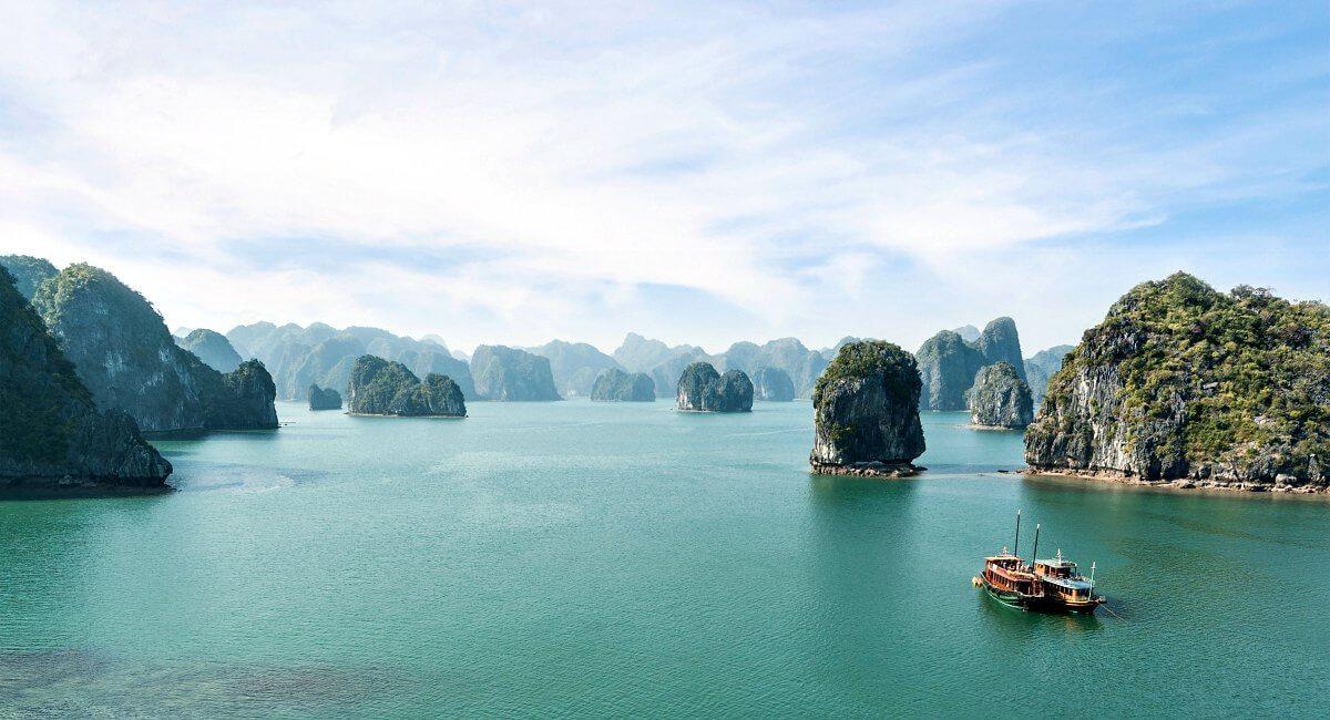 Karst island landscape - Halong Bay - Vietnam