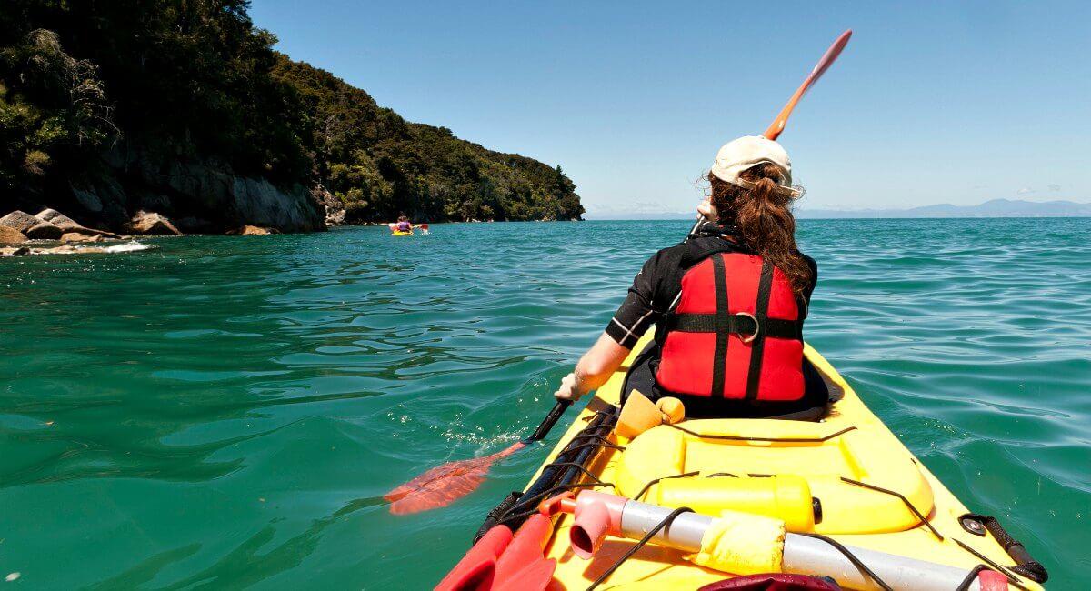 Kayaking in Abel Tasman National Park - New Zealand Photo blog