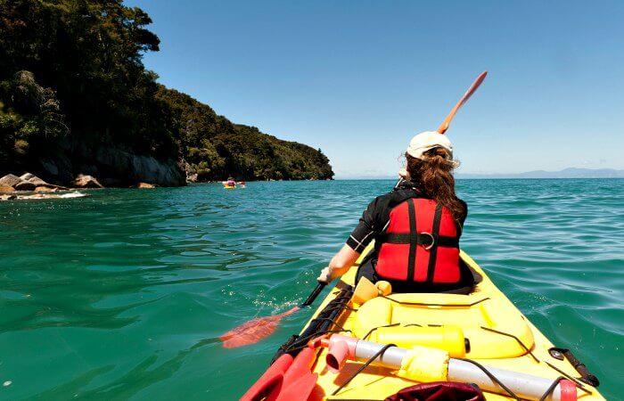 Young women kayaking in Abel Tasman National Park - New Zealand customer reviews