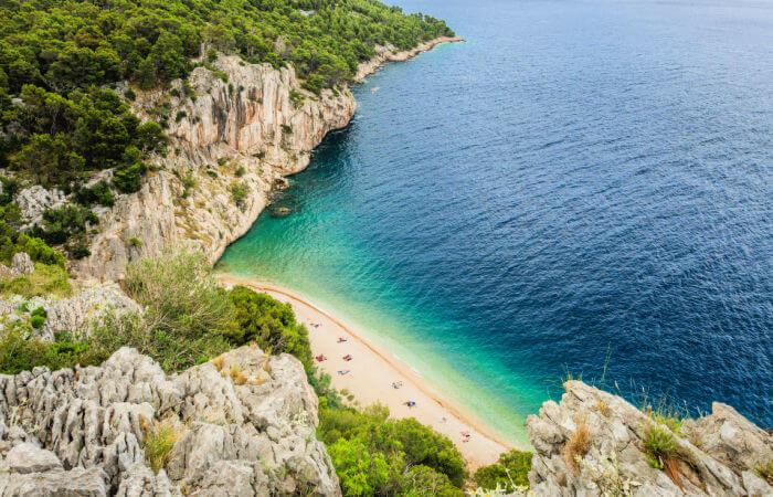 Croatia itineraries - beach on the Dalmatian Coast