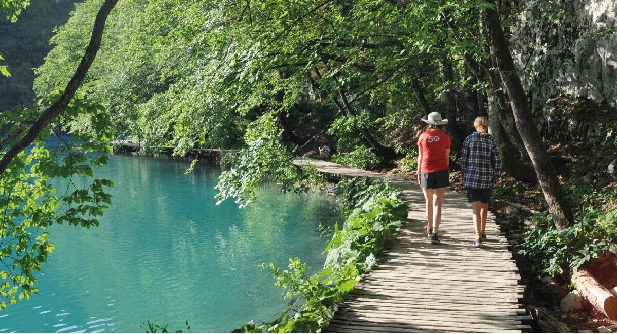 Walking at Plitvice - Croatia family photos